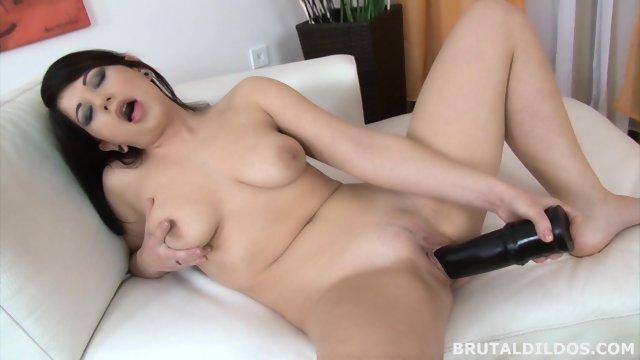 porno-samotik-bryunetka