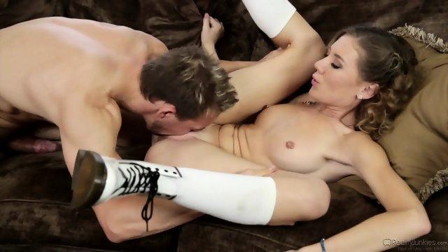 Великолепный секс со студенткой после учебы