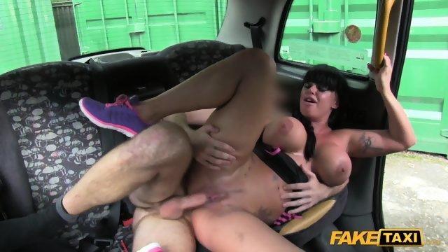 секс в такси фото смотреть