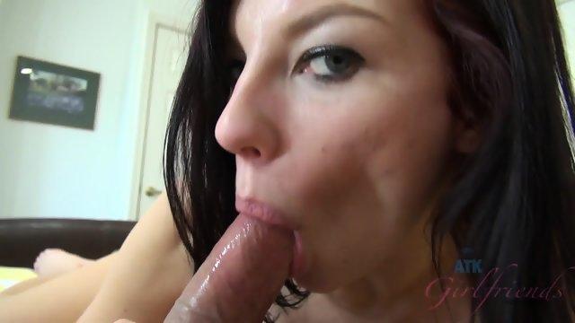 Моя любимая девушка занимается сексом