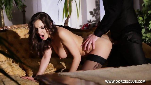 Секс с изумительной девушкой в черных чулках